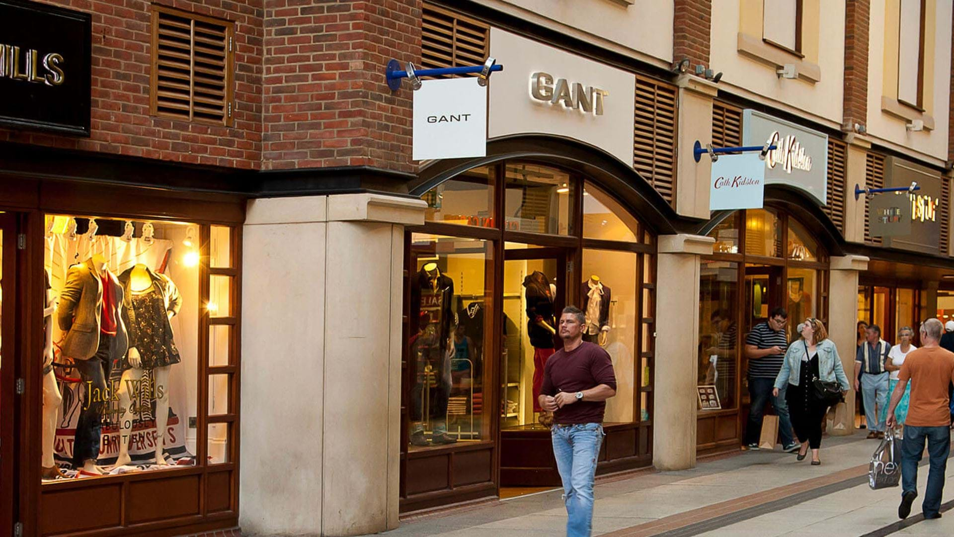 Designer Shopping In The Uk