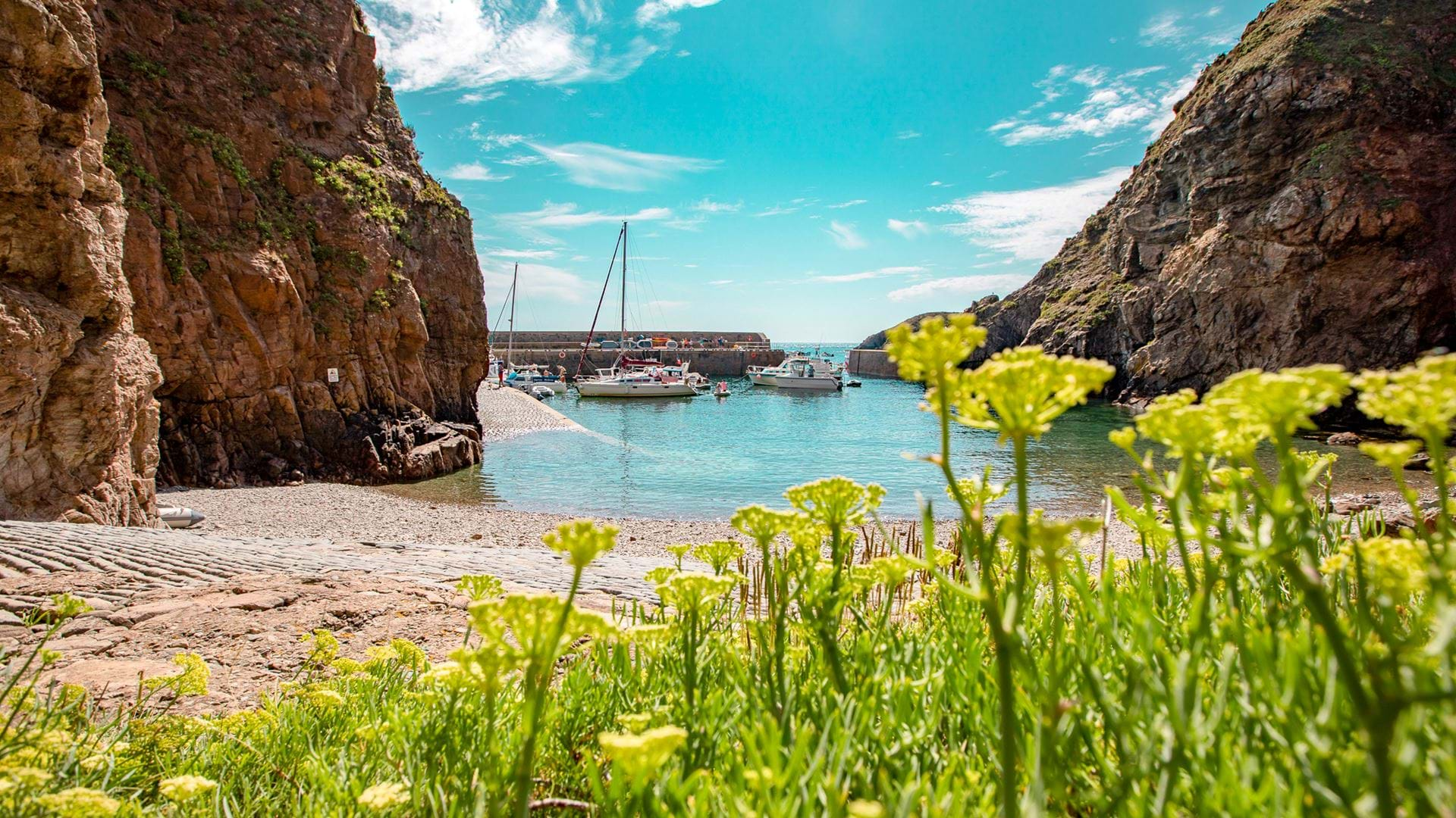 creux-harbour-sark-guernsey-channel-islands