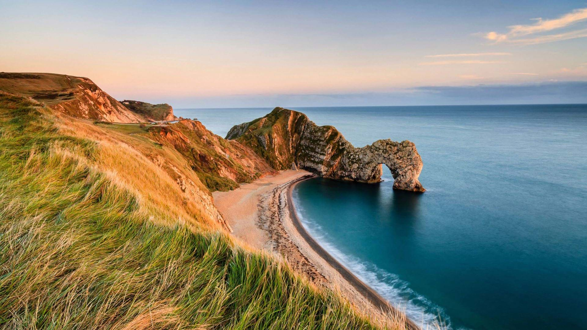 stunning-views-at-sunset-over-durdle-door-dorset