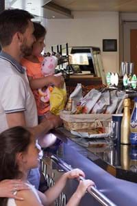 family ordering at horizon bar onboard condor lliberation