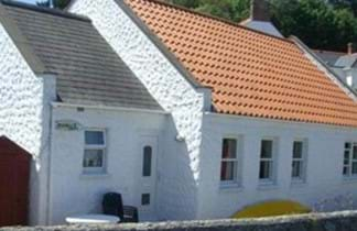 perelle bay holiday cottages in guernsey